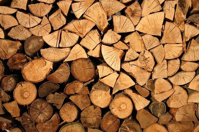 Les équipements de chauffage fonctionnant au bois sont éligible au CITE et à MaPrimeRénov'